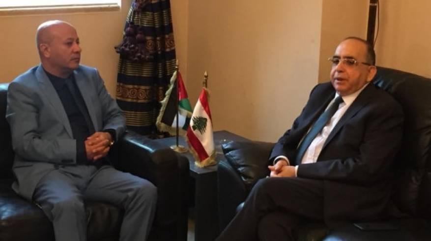 ابو هولي: اللاجئون الفلسطينيون ولجانها الشعبية في لبنان تقف الى جانب الشعب اللبناني الشقيق في محنته