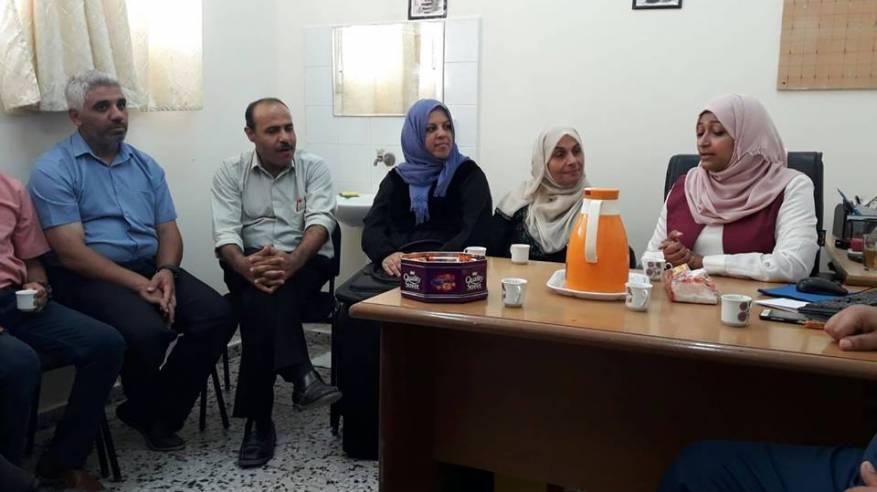 اللجنة الشعبية تلتقي مديرة عيادة النصيرات الغربية بوكالة الغوث