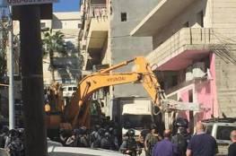 الاحتلال يهدم مبنى سكنيا في القدس بحجة عدم الترخيص