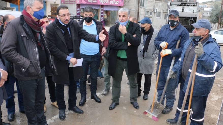 المفوض العام للأونروا يزور مخيمي جرش وسوف ويستعرض وضع لاجئي فلسطين في الأردن في خضم جائحة كوفيد-19