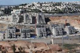 الاحتلال يصادق على بناء مئات الوحدات الاستيطانية في الضفة