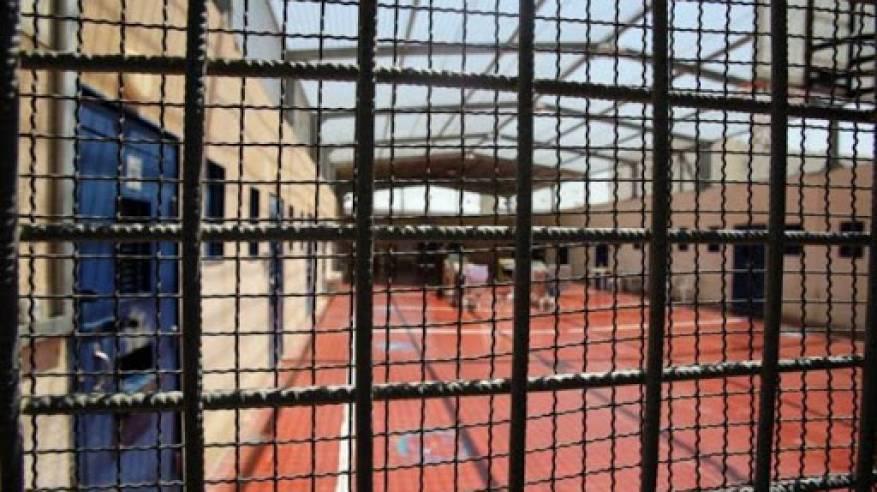 ارتفاع عدد الأسرى المضربين عن الطعام في سجون الاحتلال إلى 17 أسيرا
