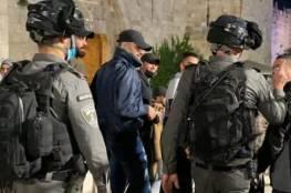 الاحتلال يصعد انتهاكاته: اعتقالات وقمع المصلين في الأقصى واقتحامه من قبل المستوطنين