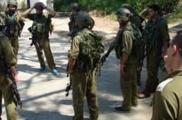 الاحتلال يعتقل اسيرا محررا ونجله من مخيم الدهيشة