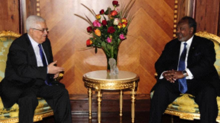 الرئيس يهنئ نظيره الجيبوتي بعيد الاستقلال