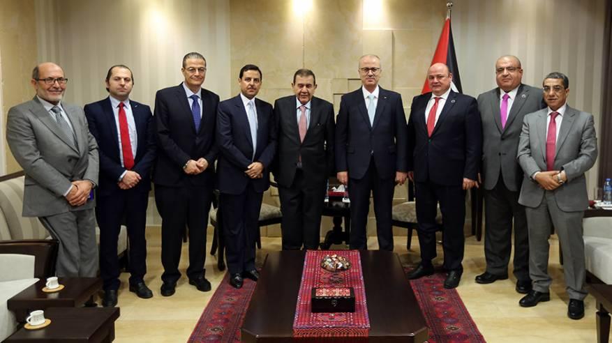 الحمد الله يبحث مع محافظ البنك المركزي الأردني سبل تعزيز التعاون
