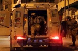 الاحتلال يغلق مدخل مخيم الفوار ويعتقل مواطنين جنوب الخليل