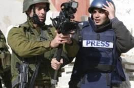 قوات الاحتلال تحتجز طاقمي تلفزيون فلسطين وهيئة مقاومة الجدار جنوب نابلس
