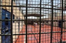 إدارة سجون الاحتلال تماطل في علاج عدد من الأسرى المرضى وتتجاهل أوضاعهم الصعبة