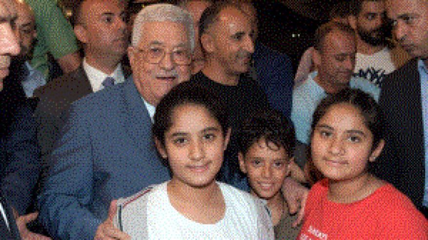 الرئيس يتفقد أحوال المواطنين برام الله مع قرب حلول العيد