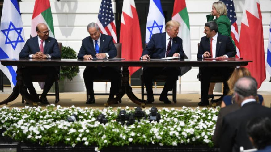 يوم أسود برعاية البيت الأبيض: الإمارات والبحرين توقعان اتفاقيتي تطبيع مع دولة الاحتلال
