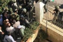 إصابات خلال اقتحام الاحتلال لمقر محافظة ووزارة شؤون القدس