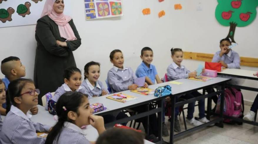 46,000 من الطلاب الفلسطينيين اللاجئين يعودون الى مدارسهم في الضفة الغربية