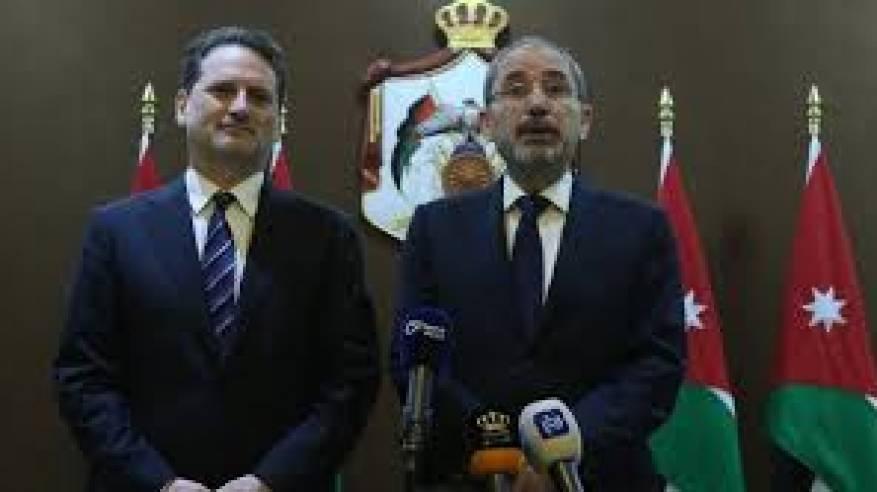 الصفدي وكرينبول يؤكدان استمرار العمل لتوفير الدعم للأونروا