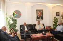 د. أبو هولي: جنوب إفريقيا تدعم وبقوة تجديد تفويض الأونروا