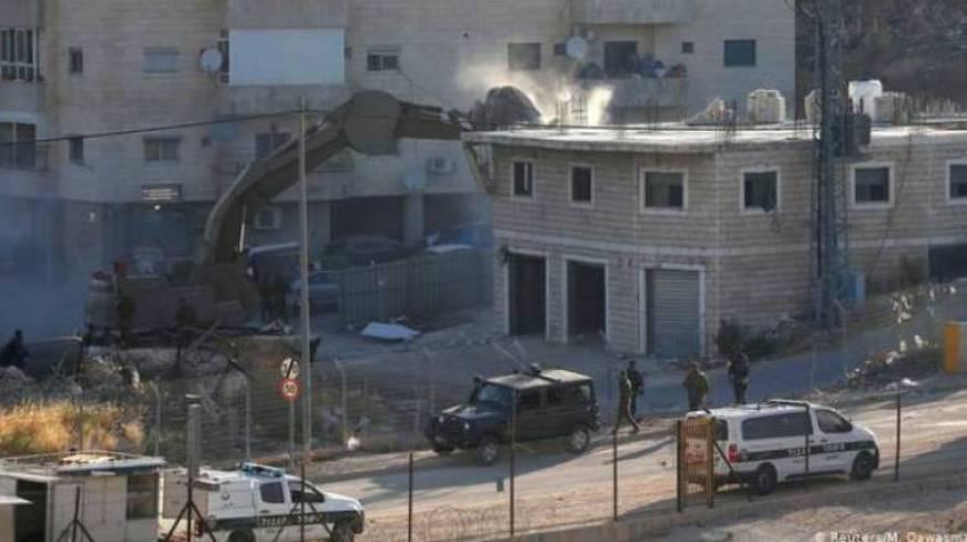 الطيرة بأراضي الـ48: الجرافات الإسرائيلية تهدم قاعة أفراح واندلاع مواجهات مع الأهالي