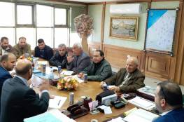 اجتماع موسع لمناقشة مشاكل مخيم خانيونس