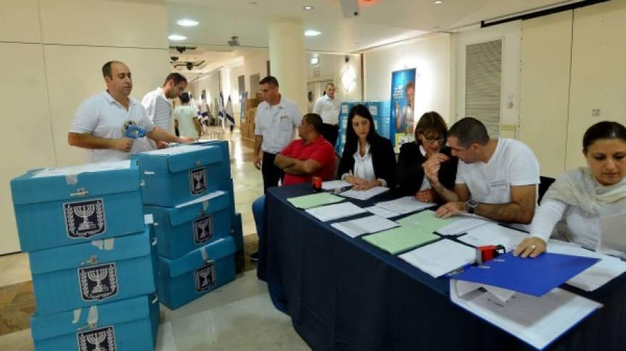 اغلبية كبيرة من الناخبين في اسرائيل تؤيد الانفصال عن الفلسطينيين وترى في المستوطنات عبئا أمنيا