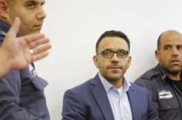 الاحتلال يسلم محافظ القدس أمرا عسكريا بمنع دخول الضفة لمدة 6 أشهر