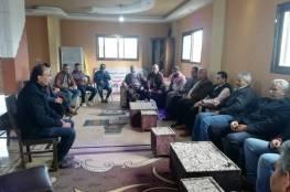 دائرة شئون اللاجئين واللجنة الشعبية في مخيم المغازي يكرمان خنساء فلسطين الحاجة أم جمعة أبو محيسن