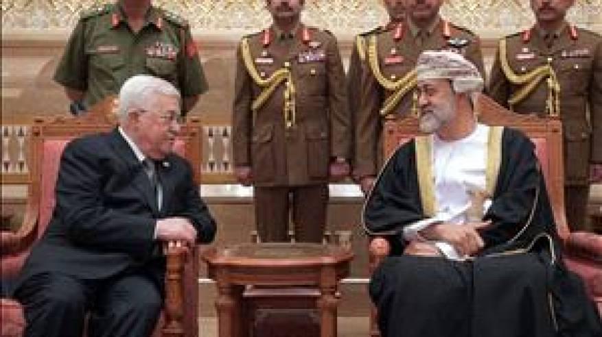 الرئيس يقدم العزاء للسلطان هيثم بن طارق بن تيمور بوفاة السلطان قابوس