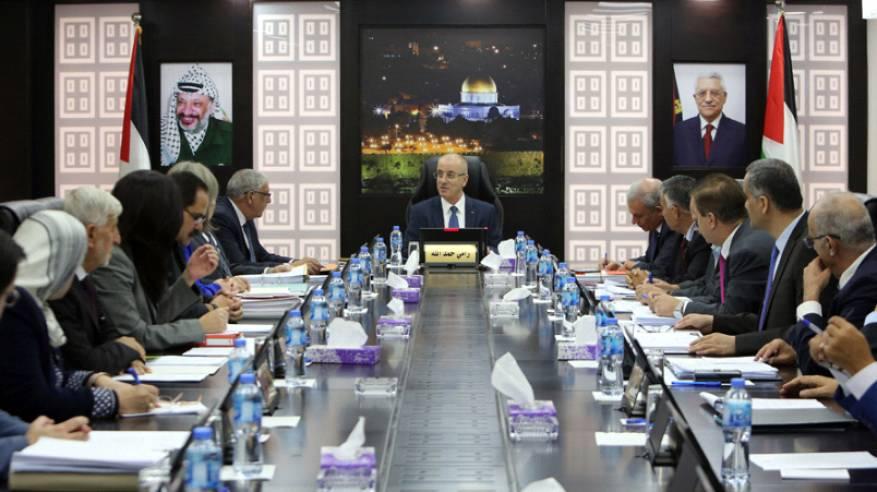 الحمد الله: لن نقايض ثوابتنا الوطنية بالمال ومستعدون للتوجه إلى غزة فورا