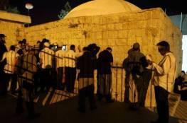 اصابات واعتقالات خلال اقتحام مئات المستوطنين لقبر يوسف بنابلس