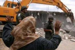 القدس: الاحتلال يهدم مبنى قيد الانشاء تابع لمدرسة في مخيم شعفاط
