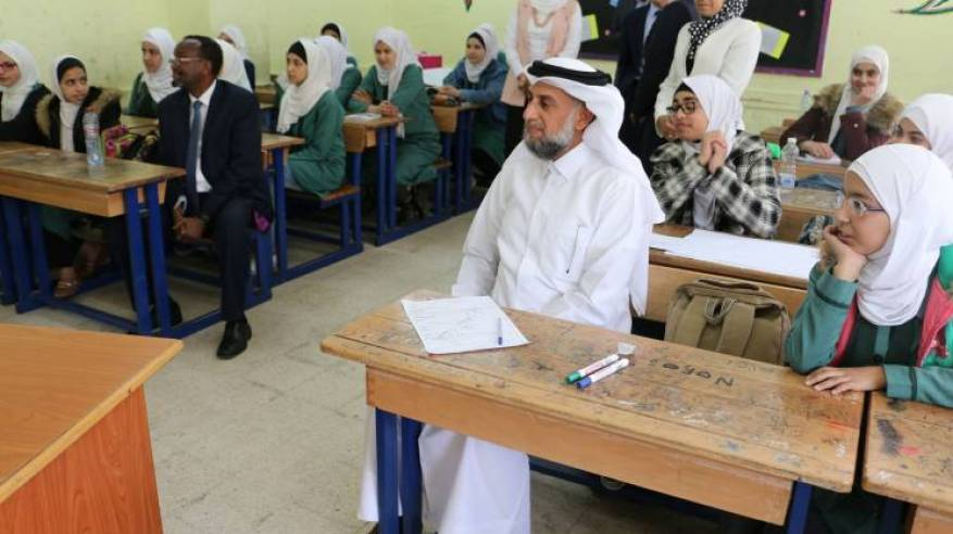 المبعوث الإنساني للأمين العام للأمم المتحدة يزور منشآت الأونروا في الأردن