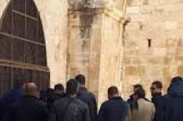 50 حارسا يفتحون مصلى باب الرحمة تأكيدا لرفضهم قرارات الابعاد