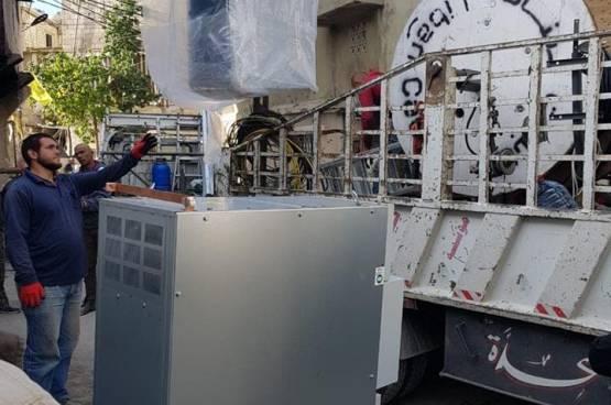 اللجنة الشعبية  تنهي اعادة شبكة الكهرباء في مخيم المية مية