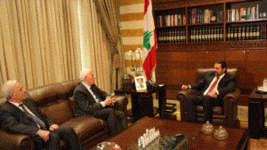 الاحمد يلتقي رئيس الوزراء اللبناني سعد الحريري