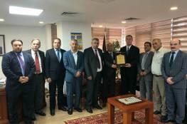 د. ابو هولي والسفير اللوح يبحثان اليات للتحرك العربي لمعالجة الازمة المالية للأونروا