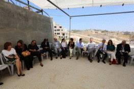 سفراء وقناصل معتمدون لدى فلسطين يطلعون على أوضاع بلدة صور باهر جنوب شرق القدس
