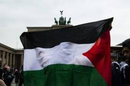 نشطاء: اجتماع وفد من الجالية الفلسطينية مع