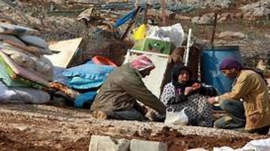"""الاحتلال يخطر بطرد ثلاث عائلات من منطقة """"البرج"""" بالأغوار"""