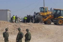 الاحتلال يخطر بهدم ستة منازل شمال غرب بيت لحم