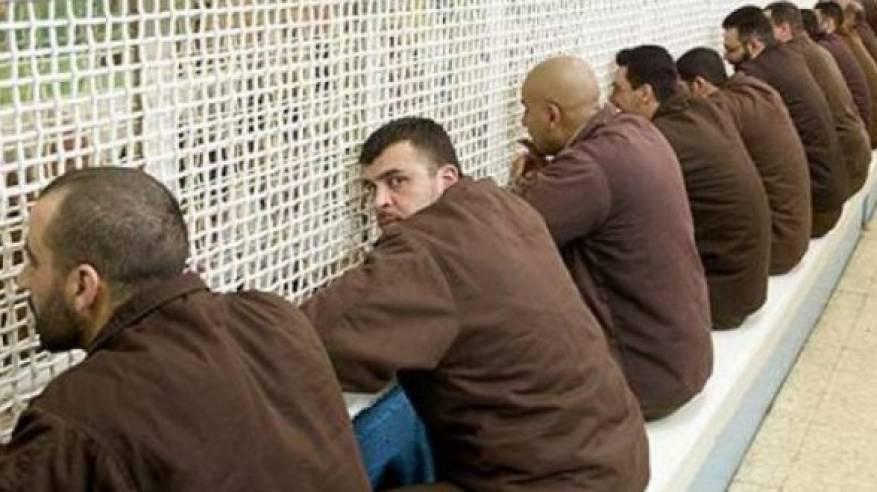 الاحتلال يعتقل 511 مواطنا  الشهر المنصرم