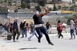 إصابتان إحداها بالرأس واعتقال صحفي في مواجهات مع الاحتلال بتقوع