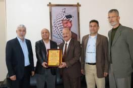 د. ابو هولي: منظمة التحرير الفلسطينية ستبقى الصخرة التي ستتحطم عليها كل المؤامرات التي تستهدف حق العودة