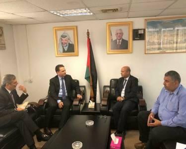 لقاء الدكتور احمد ابو هولي عضو اللجنة التنفيذية لمنظمة التحرير الفلسطينية رئيس دائرة شؤون اللاجين مع مفوض عام وكالة الغوث بيير كرينبول بتاريخ 13/9/2018 لبحث الأزمة المالية للوكالة