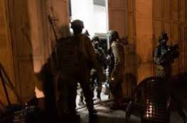 الاحتلال يعلن مقتل أحد جنوده خلال اقتحام يعبد وإصابتان بالمطاط واعتقال 18 مواطنا بينهم سيدتان