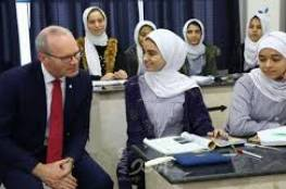 وزير الخارجية الإيرلندي يزور قطاع غزة ويلتقي طلبة