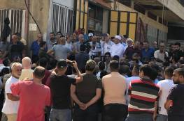 وقفة احتجاجية في مخيم نهر البارد رفضا لقرار وزارة العمل اللبنانية .