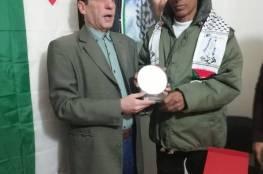 أمانة سر اللجان الشعبية بصيدا تكرم مسؤول الصيانة السيد ظافر العقر