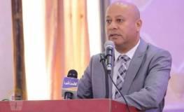 الدكتور احمد ابو هولي
