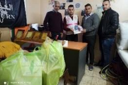 اللجنة الشعبية للاجئين في محافظة الخليل تسلم معدات طبية لفرق الطوارئ