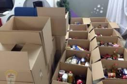 اللجنة الشعبية لخدمات مخيم عسكر القديم تنتهي من توزيع المرحلة الأولى للطرود الخيرية