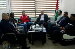 د. أبو هولي يؤكد التزام دائرة شؤون اللاجئين في دعم المؤسسات والمراكز الفاعلة في المخيمات الفلسطينية