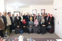 د. ابو هولي : حق العودة حق مقدس وثابت لدى القيادة الفلسطينية خلال زيارة لجنة البريج لمكتبه.